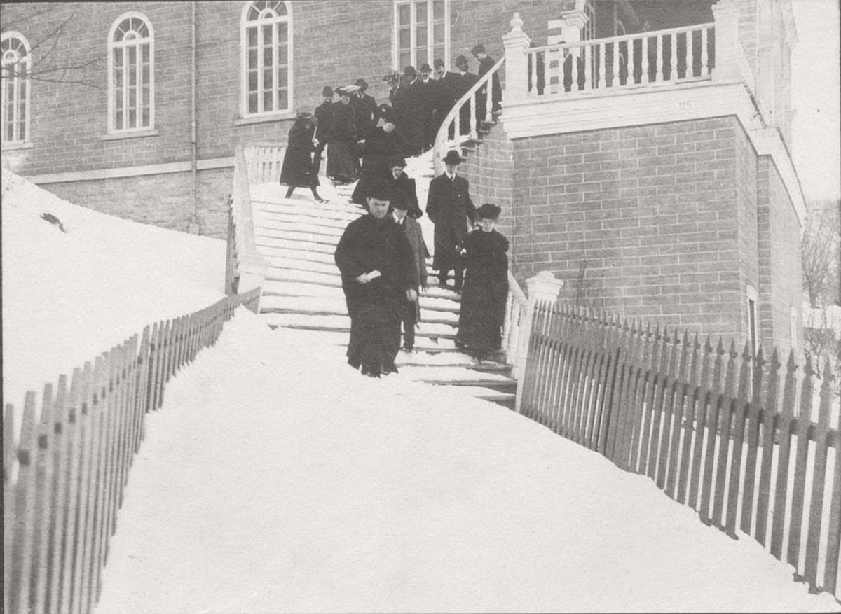 vintage-photos-of-st-anne-de-beaupre-in-quebec-and-ottawa-1906-03