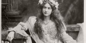 Vintage Postcards of actress Miss Maude Fealy (1900s)