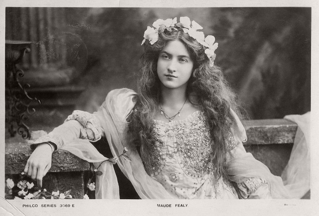 vintage-postcard-of-actress-miss-maude-fealy-1900s-early-xx-century-01