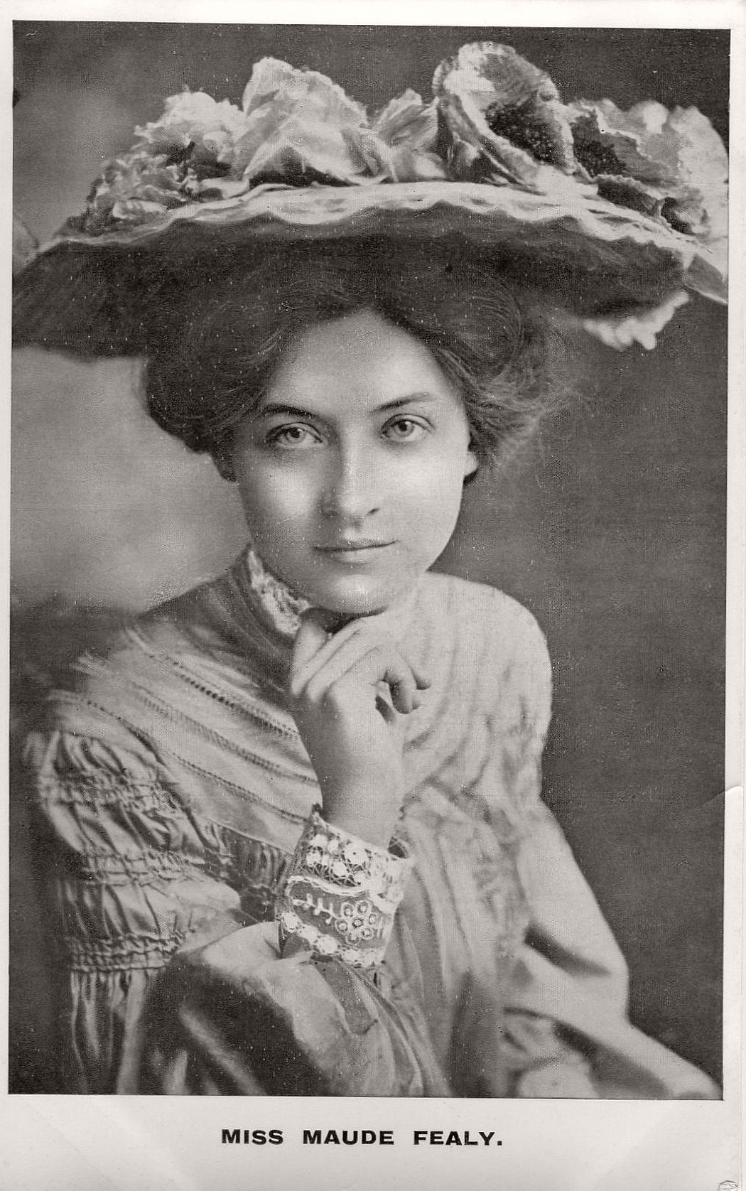 vintage-postcard-of-actress-miss-maude-fealy-1900s-early-xx-century-05