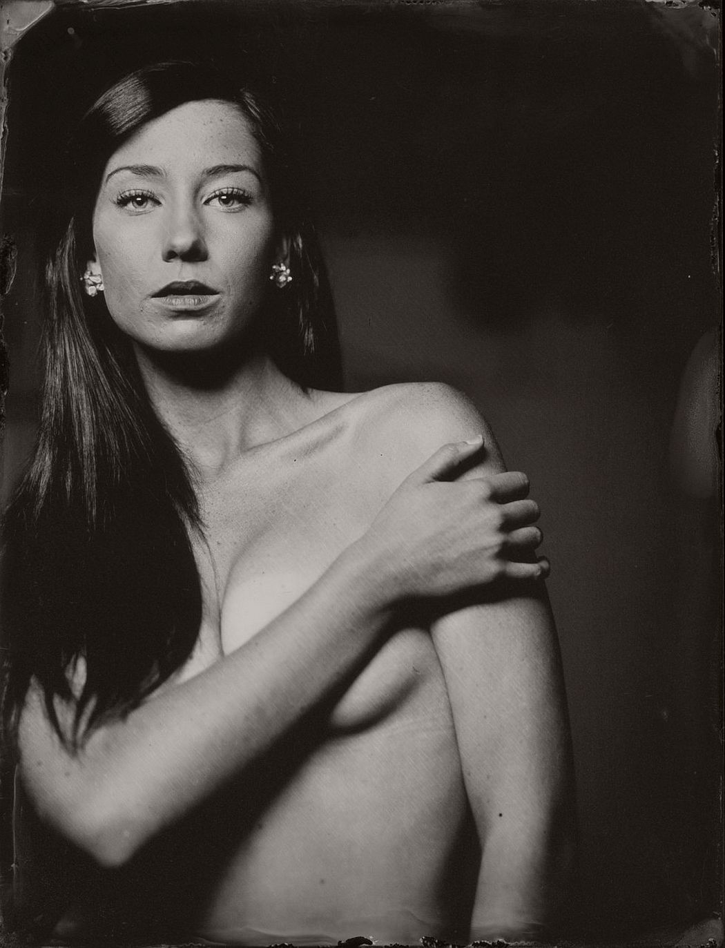 wet-plate-collodion-intimate-portraits-nudes-by-lunar-kostic-03