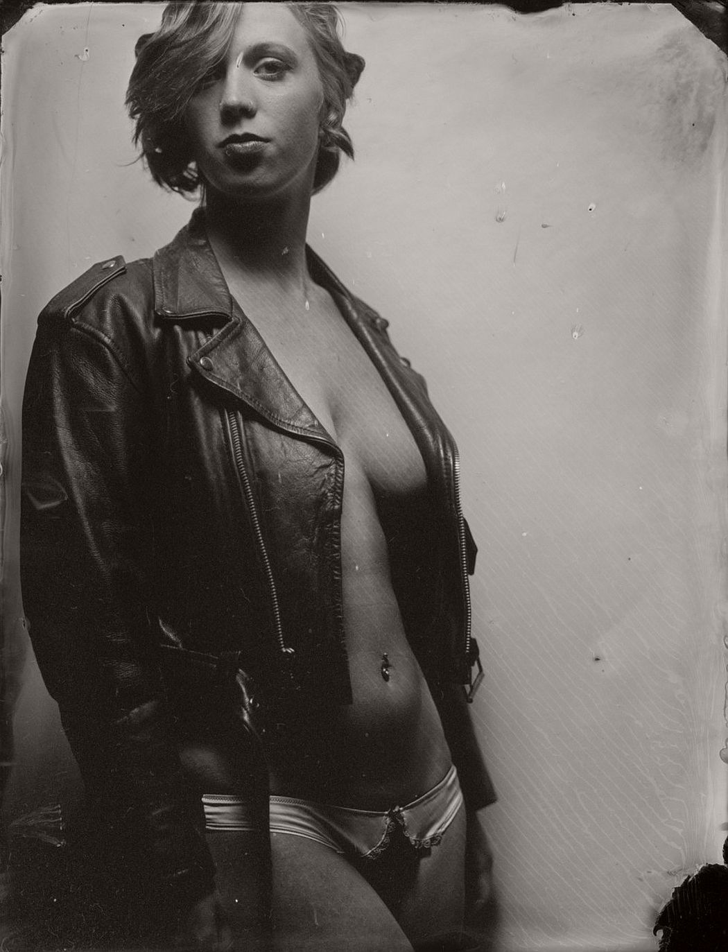wet-plate-collodion-intimate-portraits-nudes-by-lunar-kostic-08
