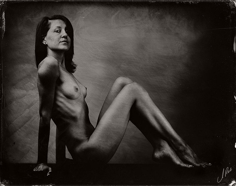 wet-plate-collodion-nudes-by-andreas-reh-11