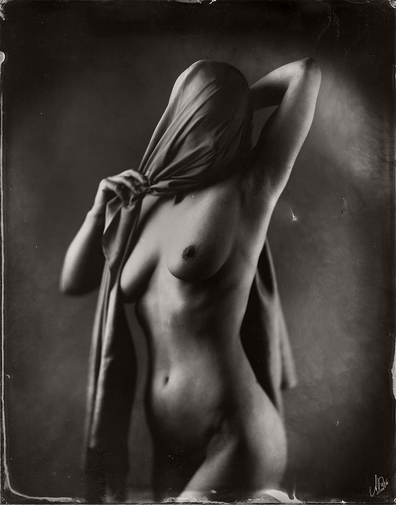 wet-plate-collodion-nudes-by-andreas-reh-17