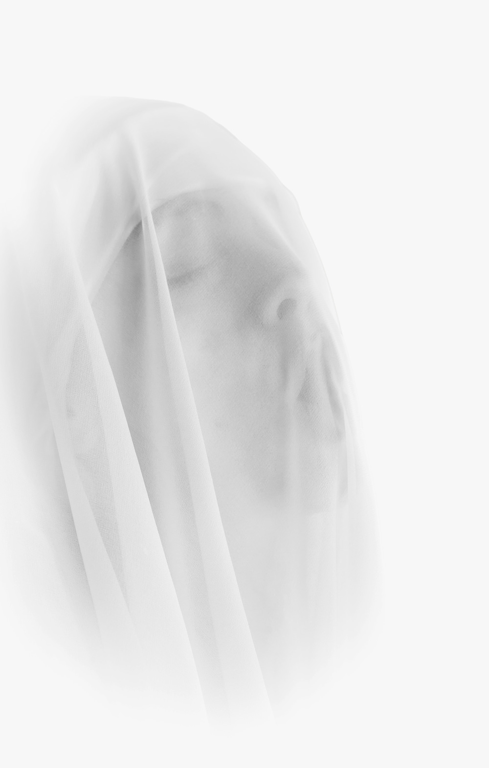 ©robertospotti-woman-with-veil