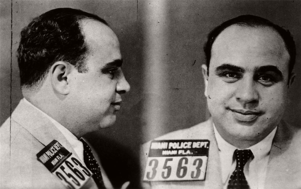 vintage-mug-shots-of-al-capone-in-1930s