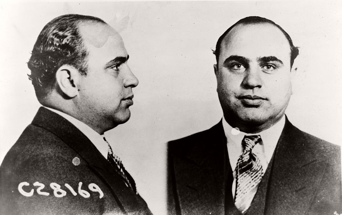 vintage-mug-shots-of-al-capone-in-1931