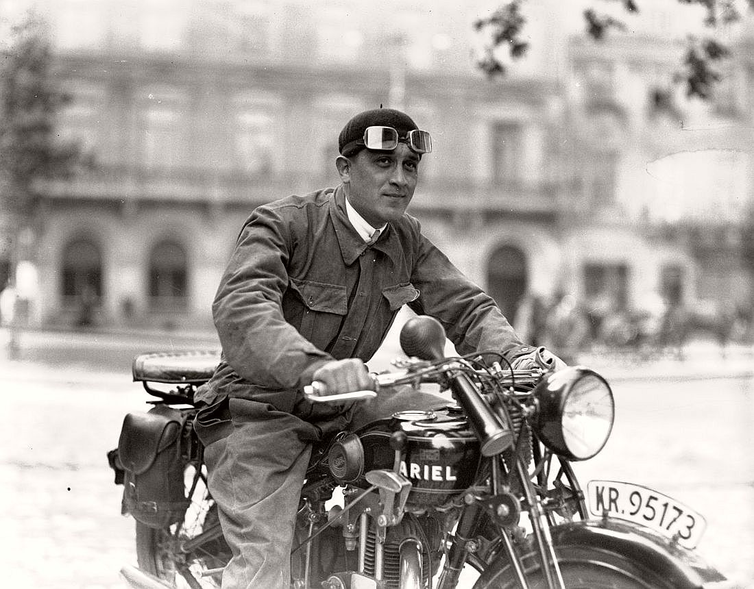 "Leon Tomaszkiewicz on a motorcycle ""Ariel"" on the Main Market Square in Krakow, 1929."