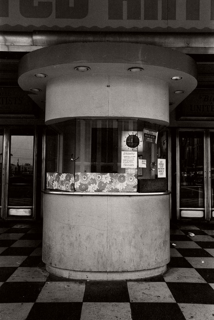 ave-pildas-bijou-photographs-of-theater-box-offices-09