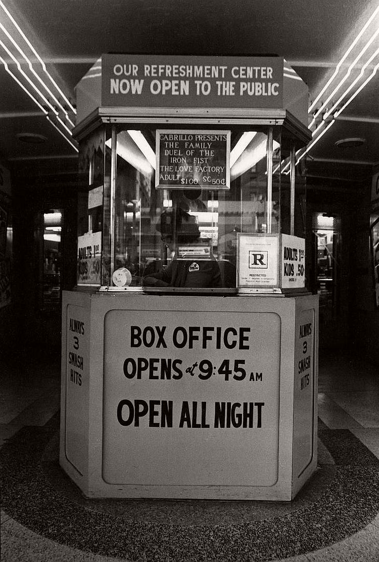 ave-pildas-bijou-photographs-of-theater-box-offices-13