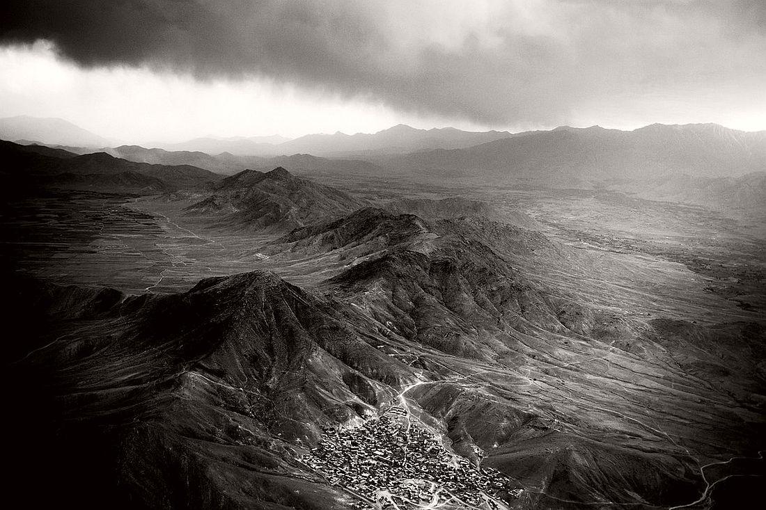 AFGHANISTAN. May 2006. Hindu Kush range, Badakhshan province.