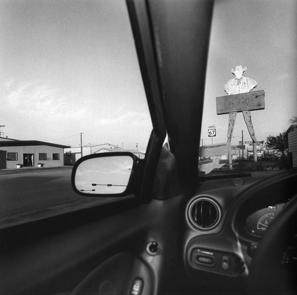Lee-Friedlander-America-by-Car-06