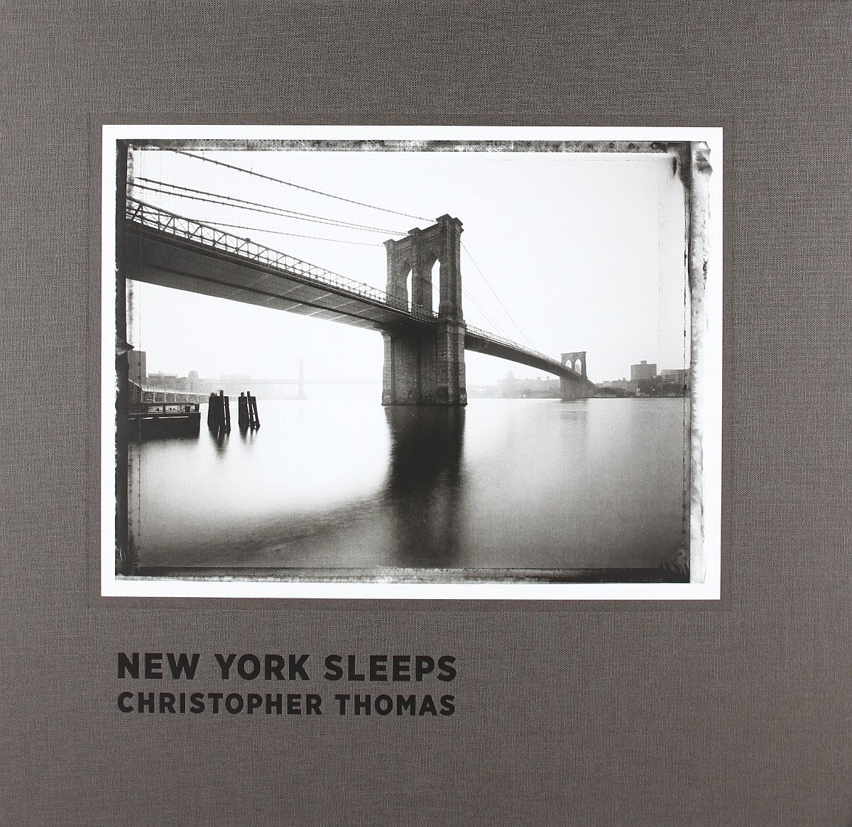 christopher-thomas-new-york-sleeps-00-cover