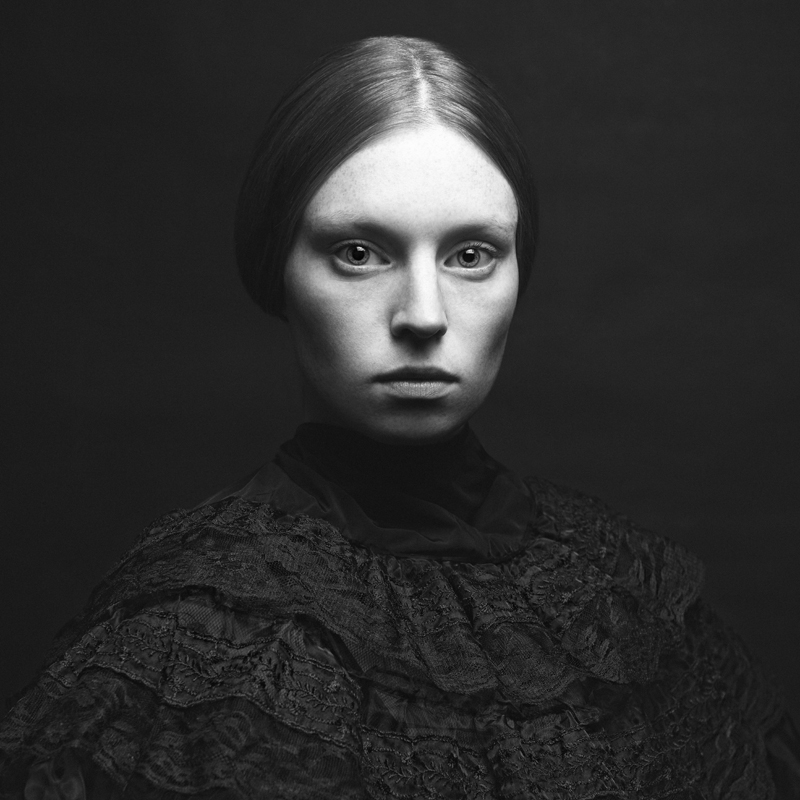 The Woman in Black © Claudia Wycisk – Portrait Discovery of the Year 2014, 1st place Winner in Portrait, Amateur