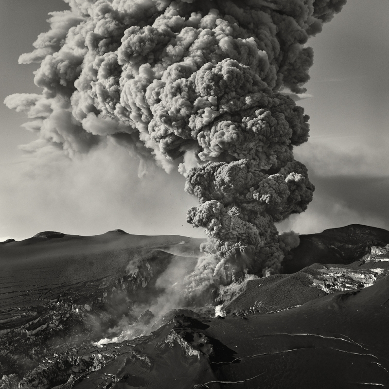 Eruption © Hans Strand – Honorable Mention in Landscape, Professional