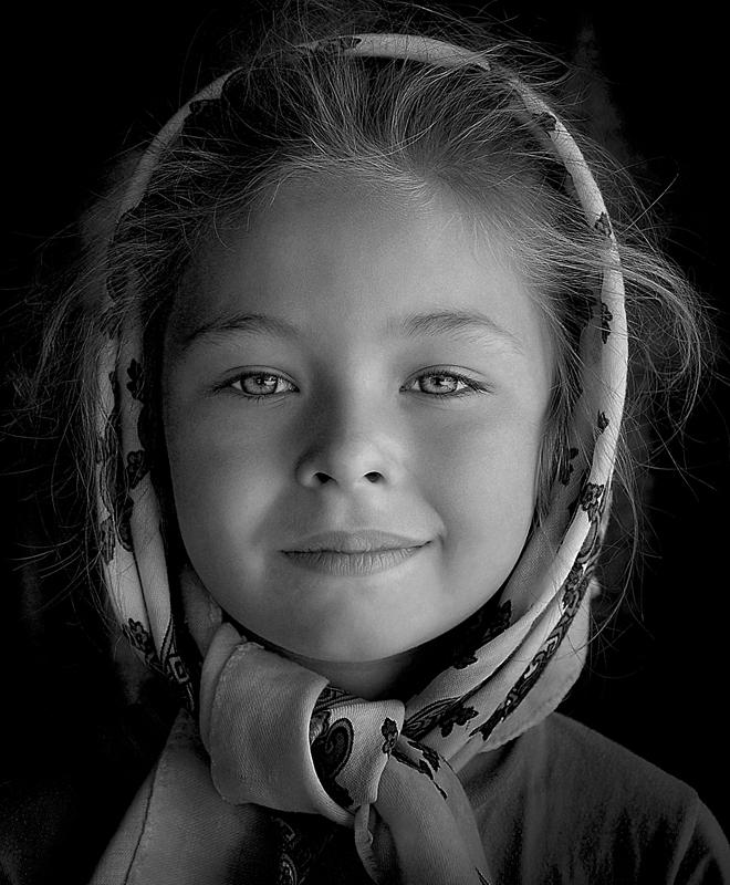 Yelena © M. Istvan Kerekes – Honorable Mention in Portrait, Professional