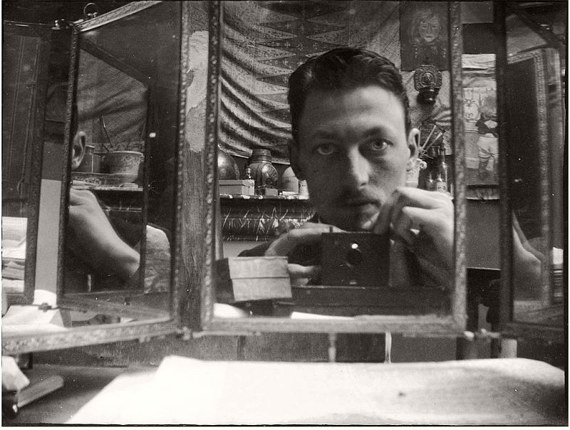 vintage-self-portrait-in-mirror-01