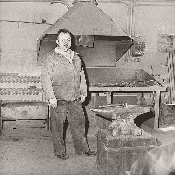 craigie-horsfield-workers-01