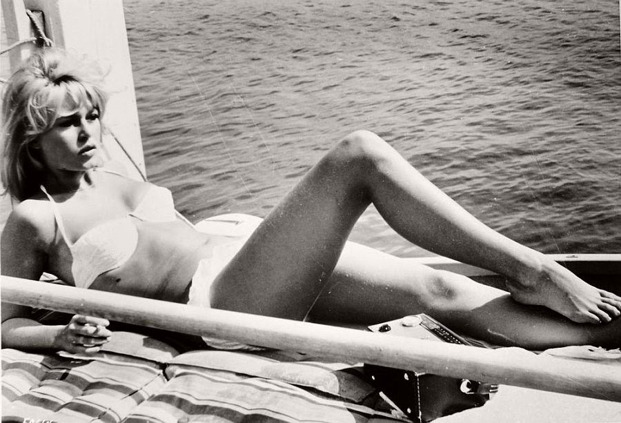 Brigitte Bardot-hollywood-actresses-top-20-hottest-1960s-in-bw