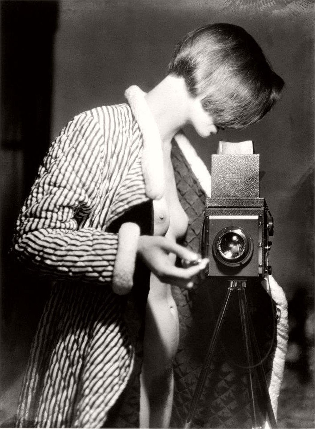 Marianne Breslauer (1900-2001), Self-Portrait