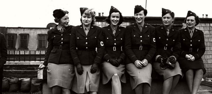 Vintage: Photos of American women in World War II