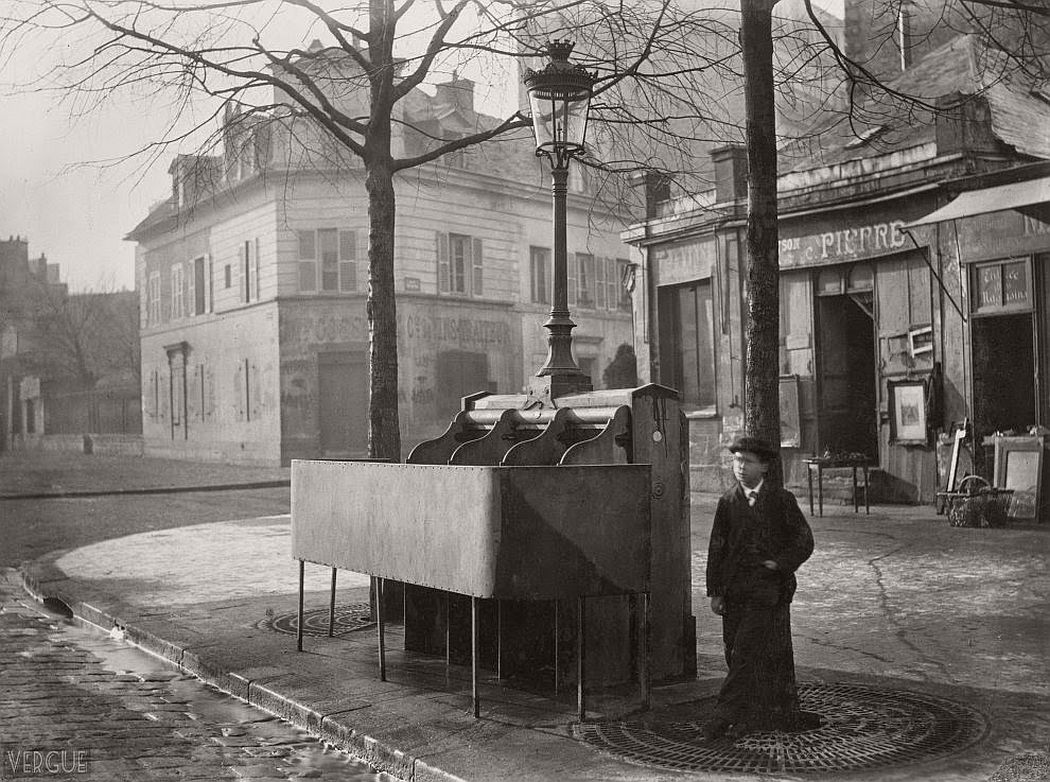 vintage-public-urinals-in-paris-by-charles-marville-19th-century-05