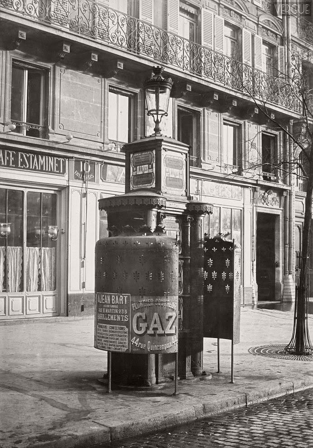 vintage-public-urinals-in-paris-by-charles-marville-19th-century-08
