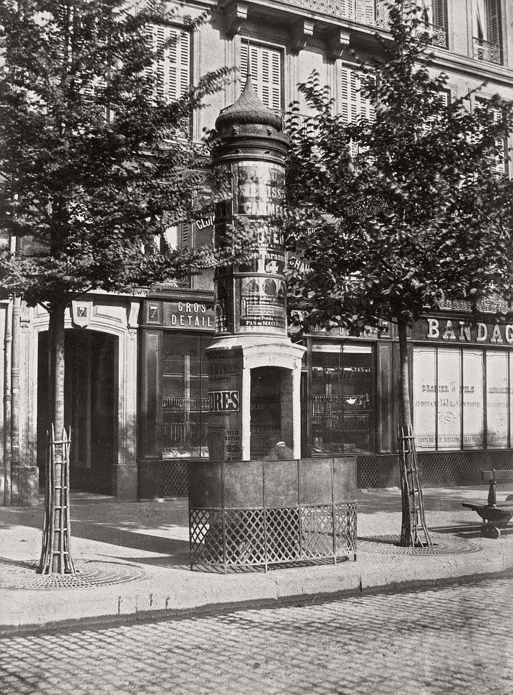 vintage-public-urinals-in-paris-by-charles-marville-19th-century-10