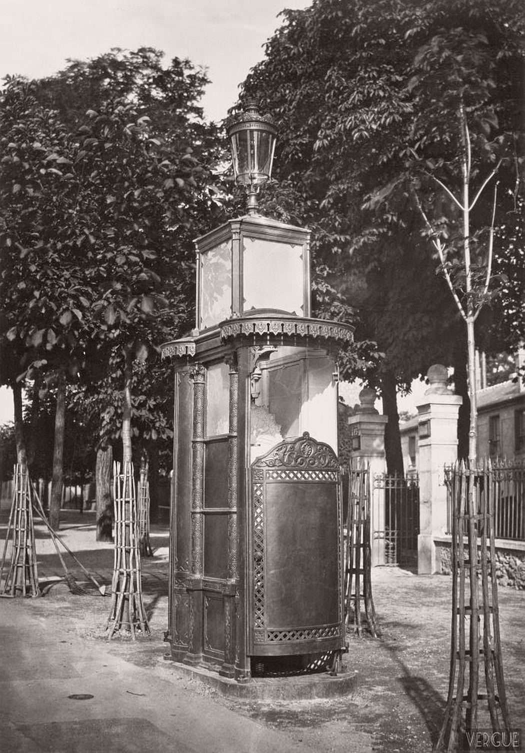 vintage-public-urinals-in-paris-by-charles-marville-19th-century-15