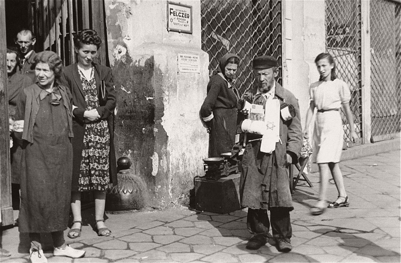 warsaw-ghetto-1941-vintage-daily-life-10