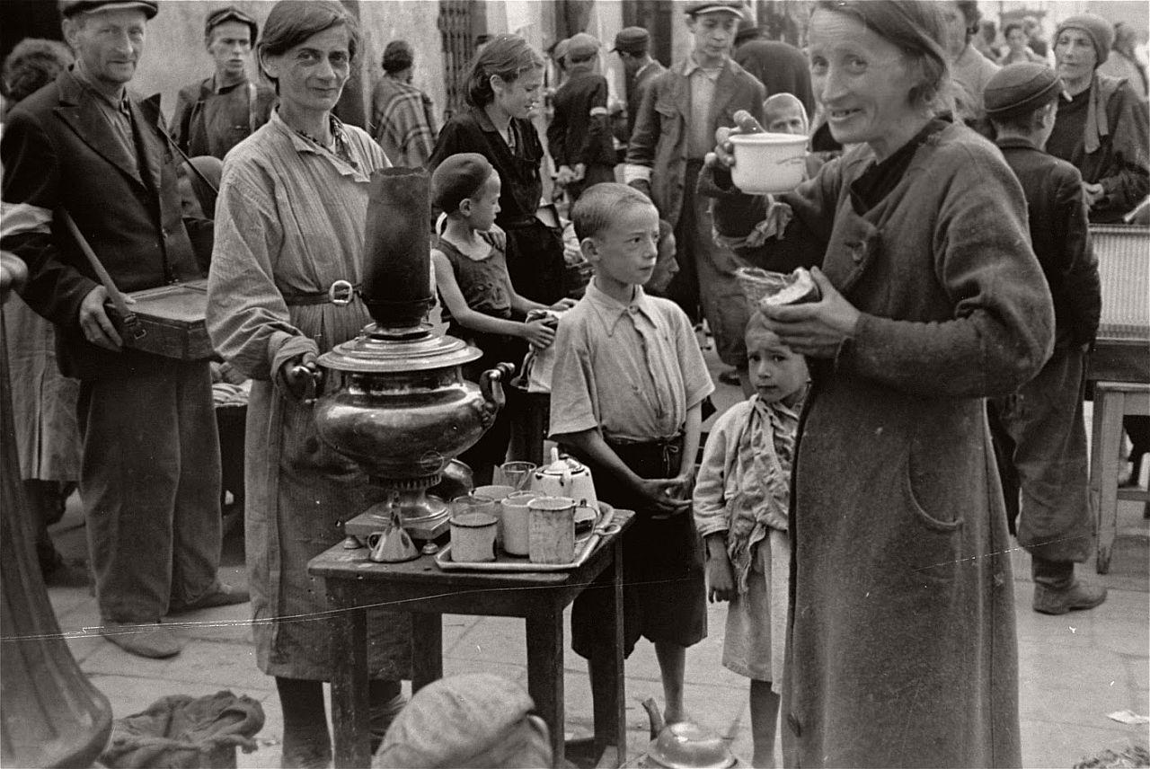 warsaw-ghetto-1941-vintage-daily-life-13