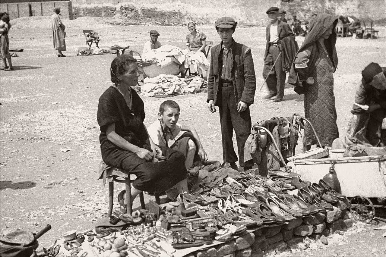 warsaw-ghetto-1941-vintage-daily-life-17