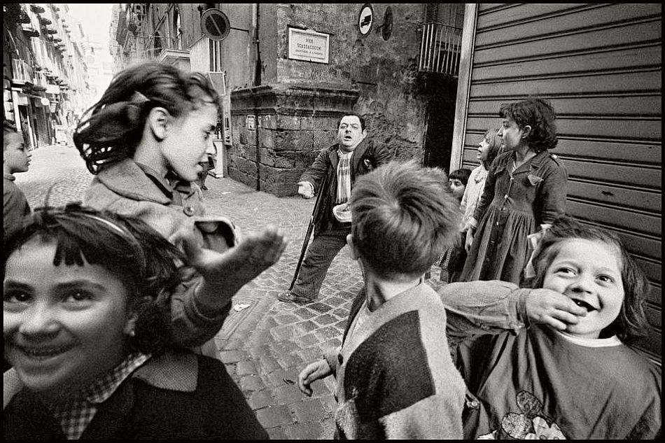 bruno-barbey-the-italians-08