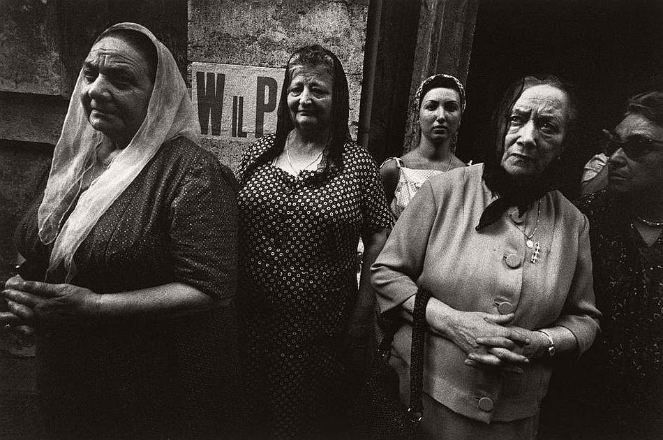 bruno-barbey-the-italians-09