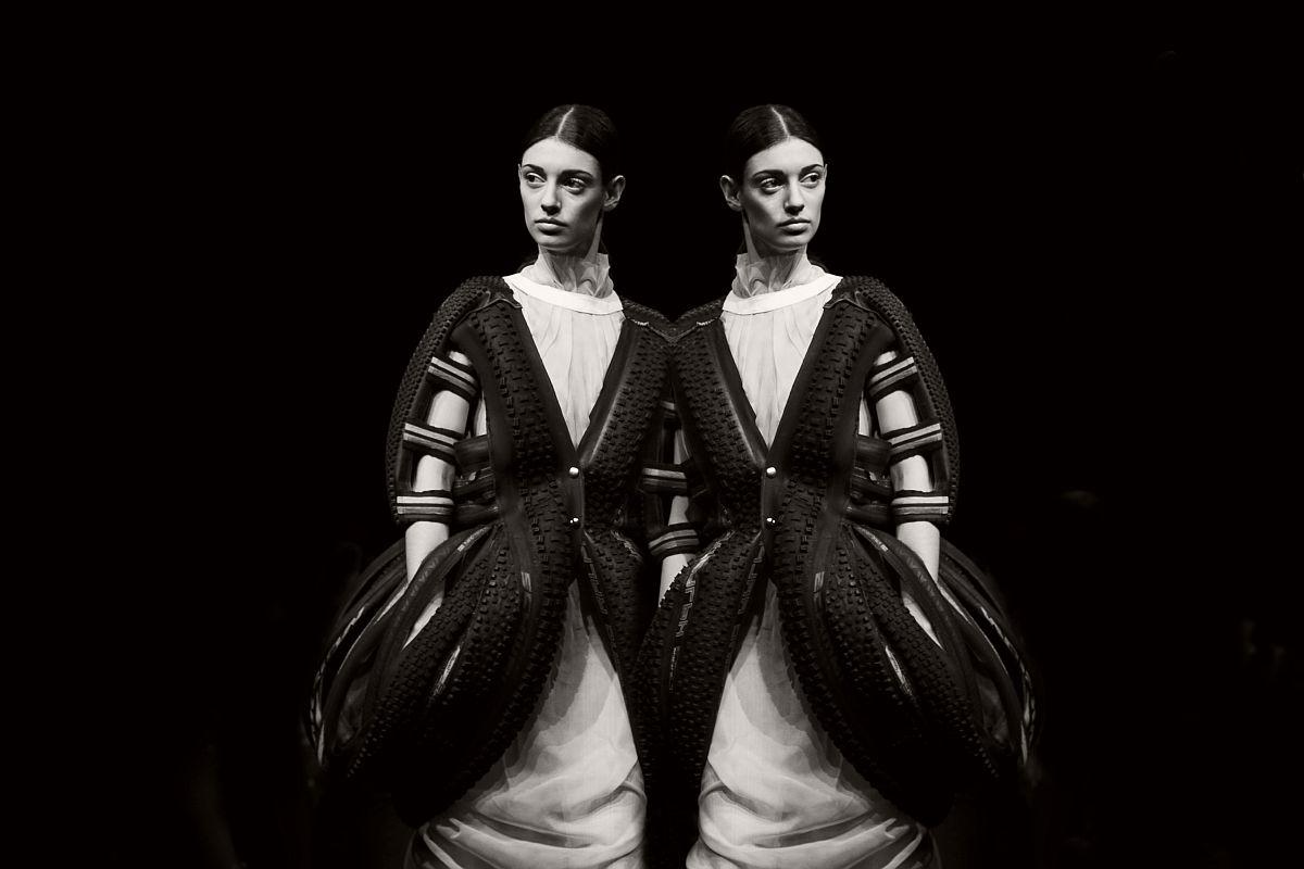 lisa-jureczko-future-monochromy-fashion-photographer-01