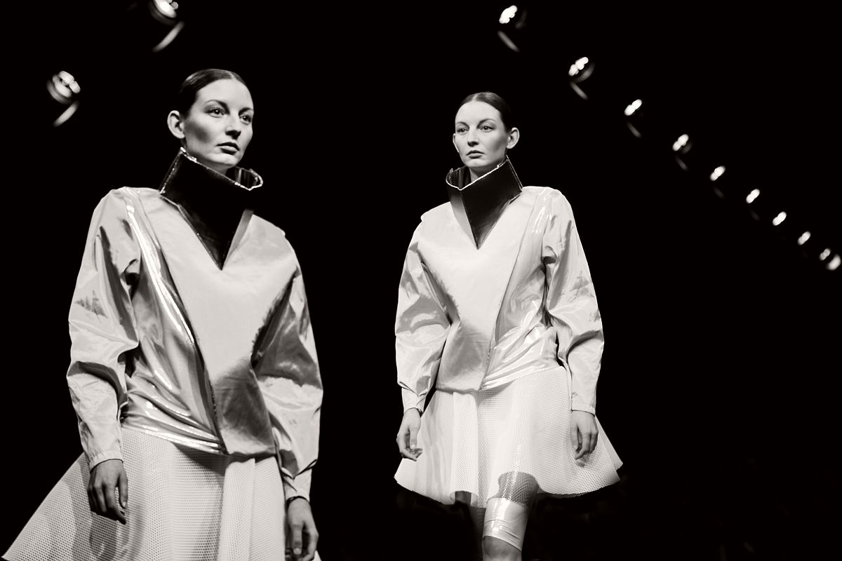lisa-jureczko-future-monochromy-fashion-photographer-02