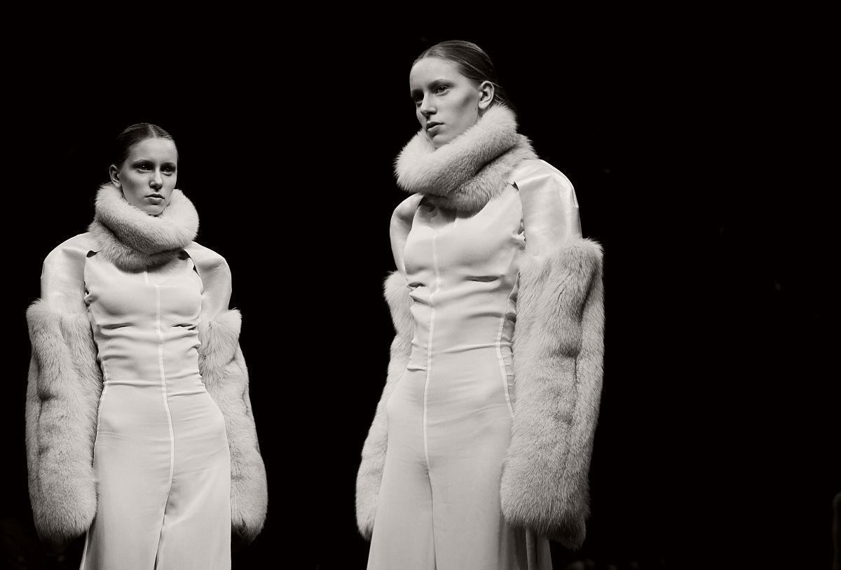 lisa-jureczko-future-monochromy-fashion-photographer-05