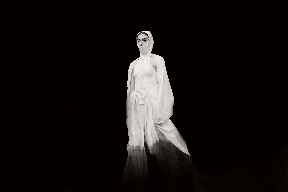 lisa-jureczko-future-monochromy-fashion-photographer-10