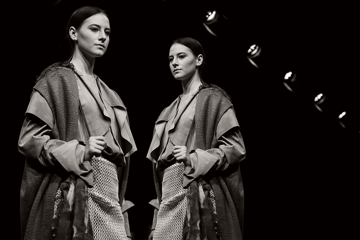 lisa-jureczko-future-monochromy-fashion-photographer-16