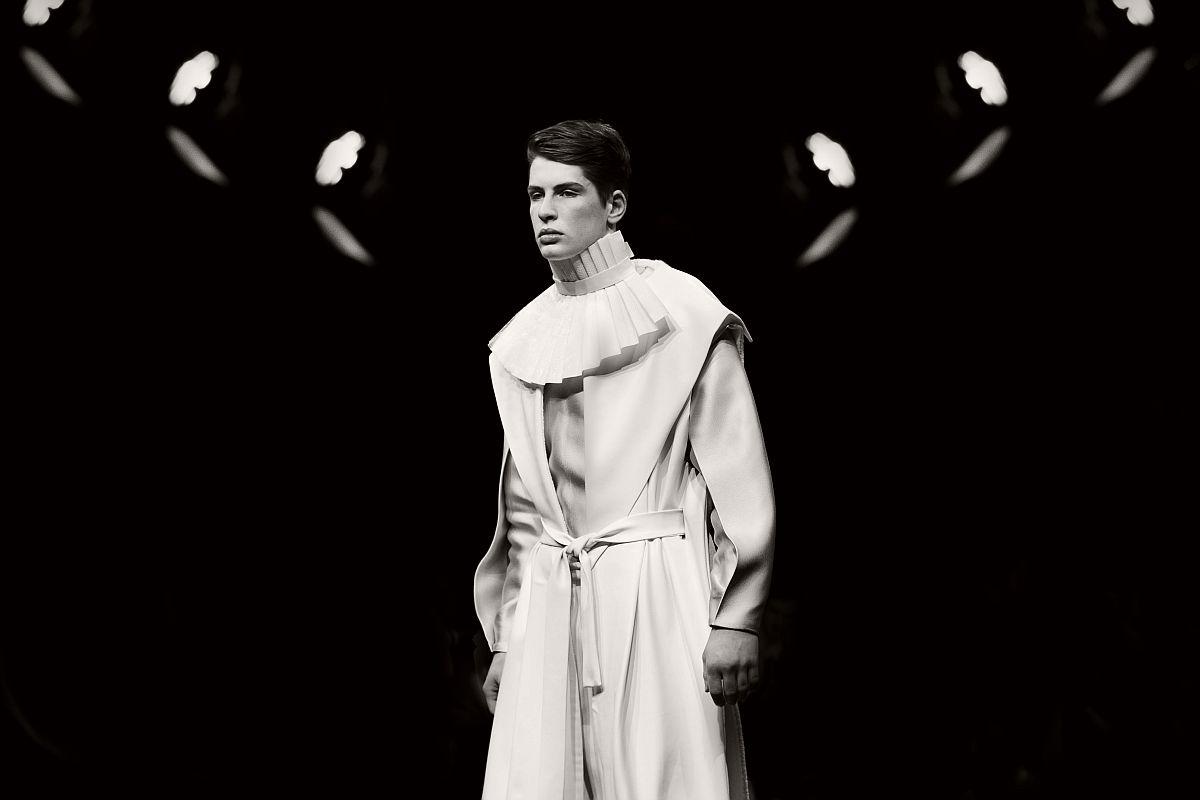 lisa-jureczko-future-monochromy-fashion-photographer-18