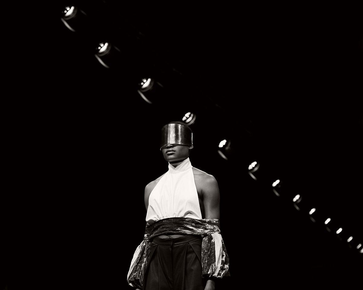 lisa-jureczko-future-monochromy-fashion-photographer-20