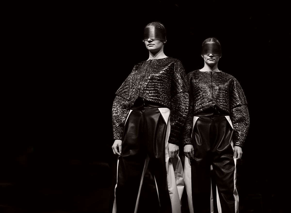 lisa-jureczko-future-monochromy-fashion-photographer-21