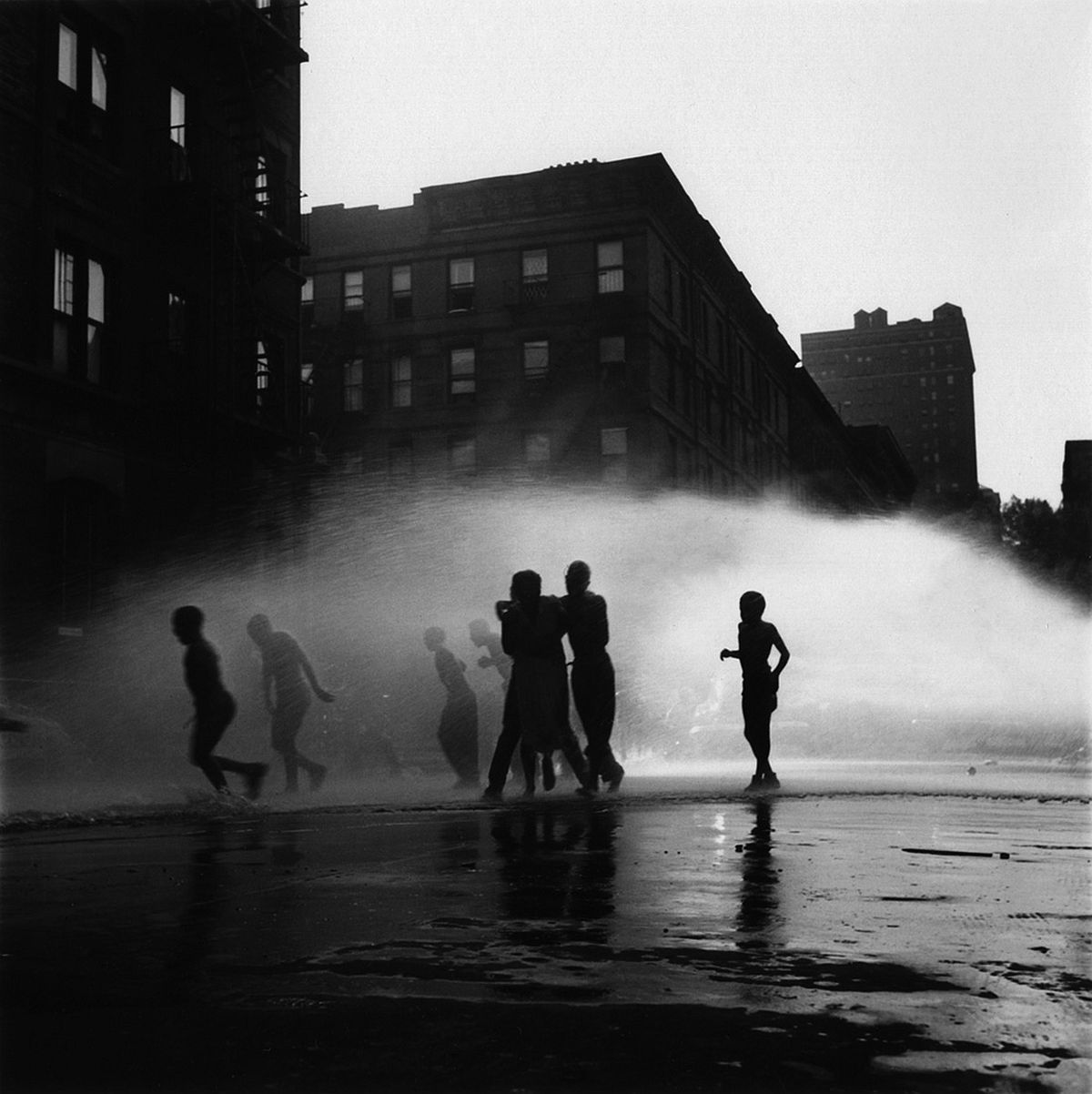 gordon-parks-invisible-man-gordon-parks-and-ralph-ellison-in-harlem-02