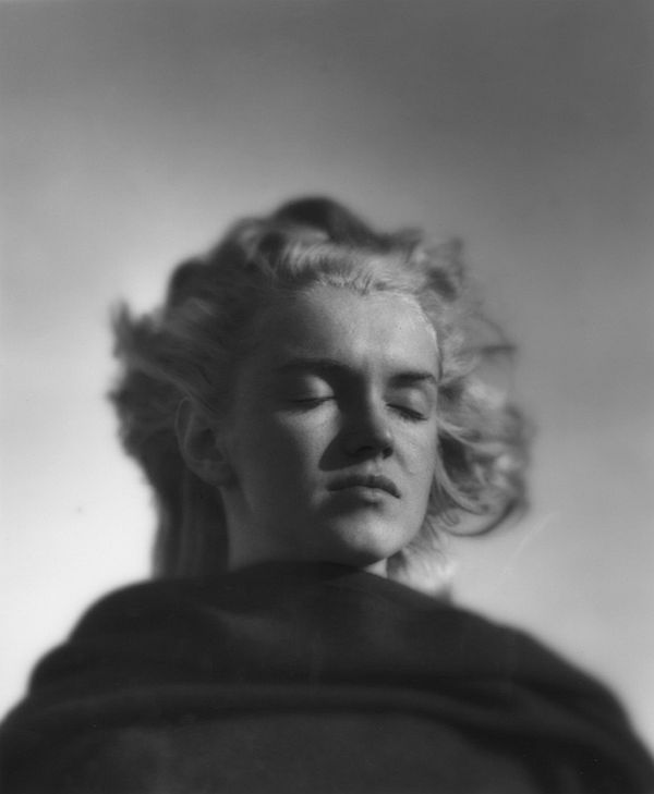 andre-de-dienes-marilyn-and-california-girls-04