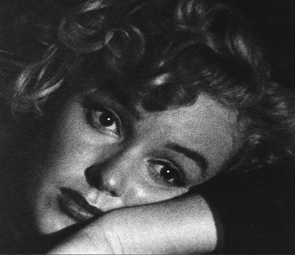 andre-de-dienes-marilyn-and-california-girls-16