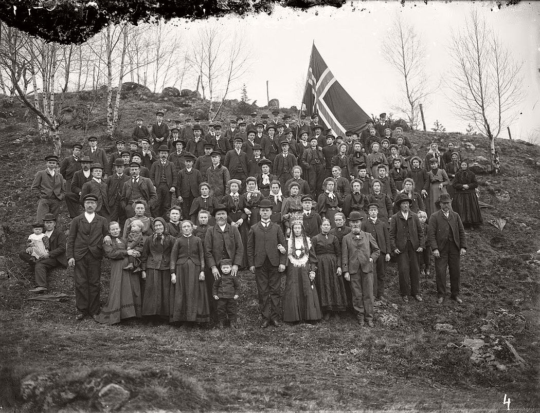 glass-plate-negatives-norwegian-weddings-from-the-early-20th-century-vintage-02