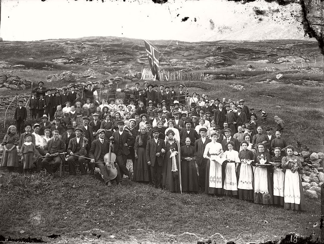 glass-plate-negatives-norwegian-weddings-from-the-early-20th-century-vintage-06