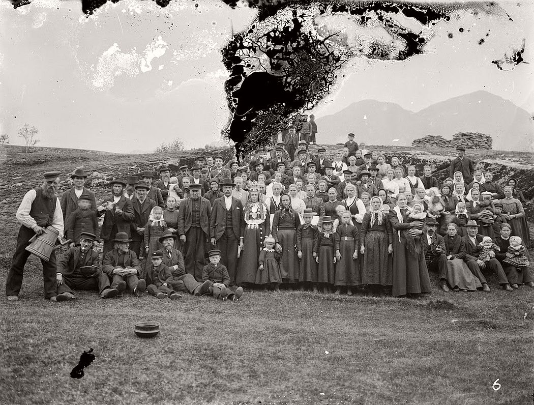 glass-plate-negatives-norwegian-weddings-from-the-early-20th-century-vintage-10