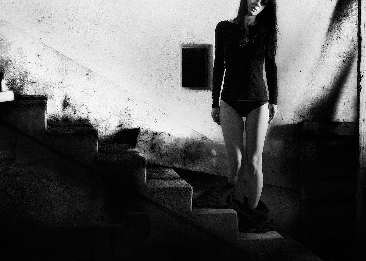 rosita-delfino-conceptual-portrait-photographer-02