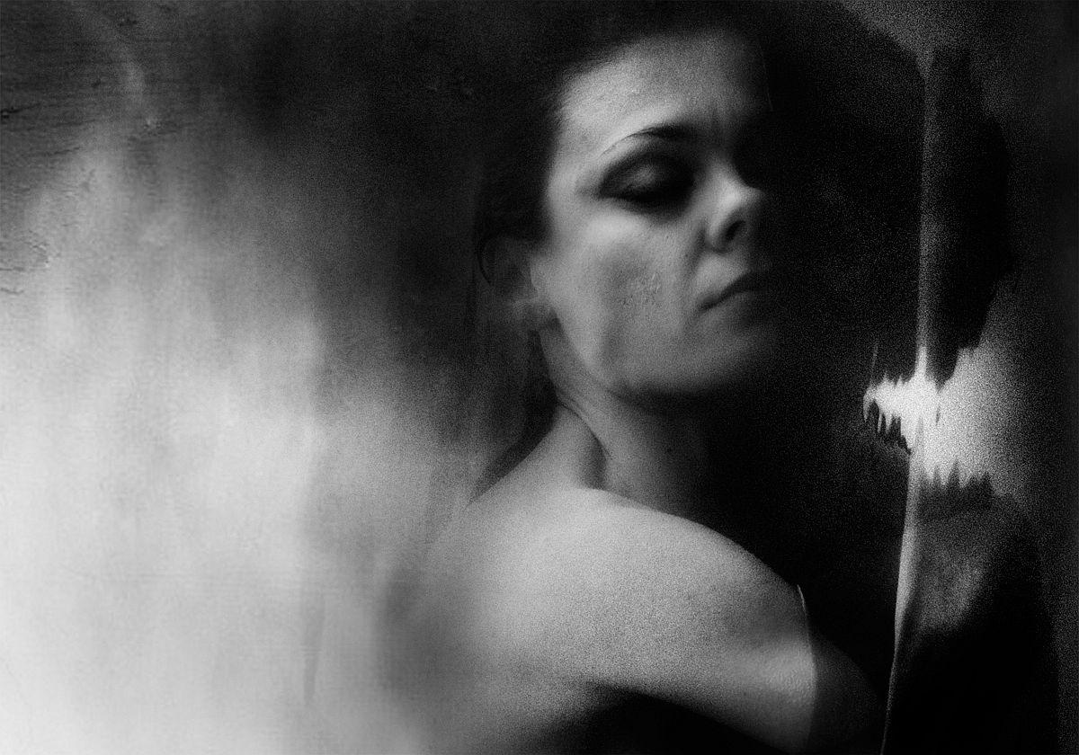 rosita-delfino-conceptual-portrait-photographer-14